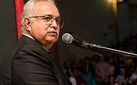 Prefeito de Arapiraca, Rogério Teófilo, morre em hospital de Maceió