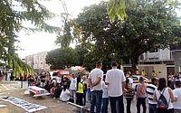 Moradores do Pinheiro, Mutange e Bebedouro protestam em Maceió