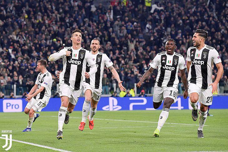 Cristiano Ronaldo marcou três gols e classificou a Juventus diante do Atlético de Madrid