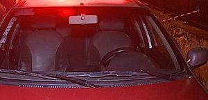 Motorista de aplicativo é assaltado, abandonado em canavial e tem carro levado