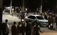 Noite de luau tem nova aglomeração e correria na orla de Maceió; vídeos