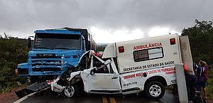 Ambulância colide com caminhão e deixa uma pessoa morta no Piauí