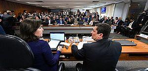 Senadores querem acesso às mensagens trocadas por Moro e Dallagnol