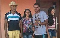 José Luiz acompanhado pela esposa Marinilda e pelos filhos André Luís e Andresa Maria, que ele já salvou