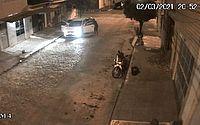 Imagens mostram roubo de carro no bairro do Poço; veja vídeo
