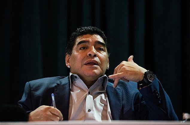 Morre Diego Maradona após parada cardiorrespiratória, diz jornal