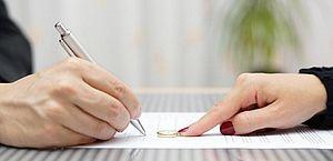 Comissão aprova projeto que atualiza regras para mudança de nome no RG após casamento