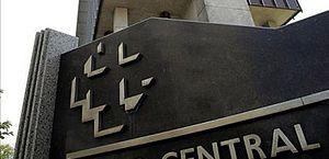 Bolsonaro transferirá Coaf para o Banco Central via medida provisória