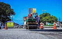Prefeitura executa manutenção de vias e drenagem em ruas da capital