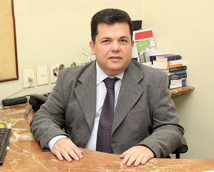 O mastologista João Aderbal