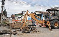 Obras de reparos interditam totalmente a Rua Luiz Clemente Vasconcelos, no Clima Bom