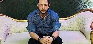 Cantor sertanejo Jota Bruno morre após bater carro em árvore em rodovia do MS