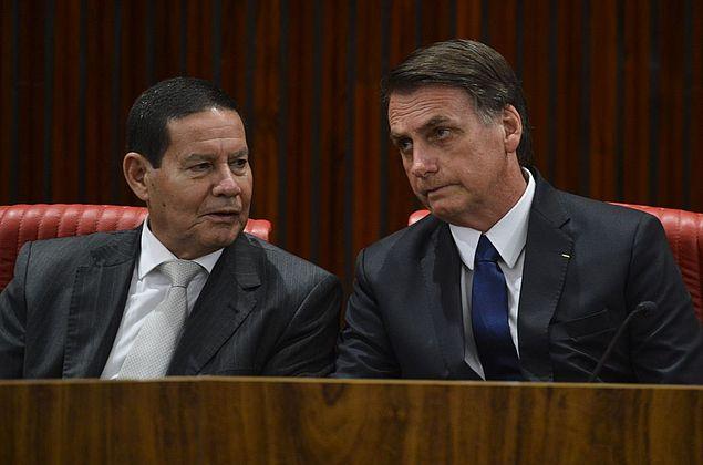 Anatel autoriza bloqueio de sinal perto de Bolsonaro e Mourão