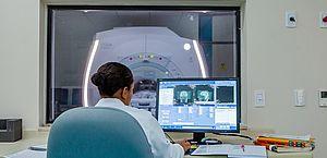 Exames como ressonâncias, raios-x e tomografia devem ser feitos com cautela