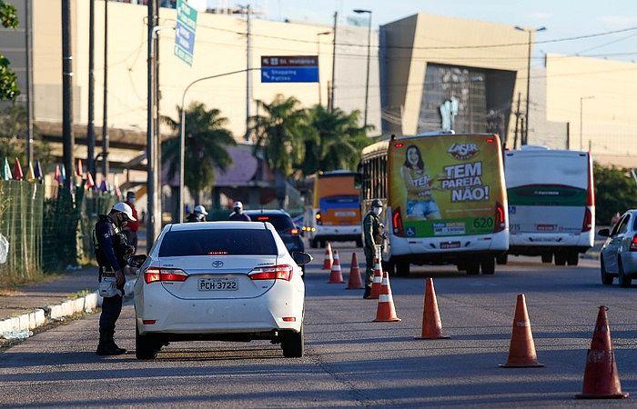 Pernambuco anuncia flexibilização da quarentena a partir desta segunda