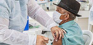 Sem novas doses, Arapiraca suspende aplicação da Coronavac nesta segunda-feira