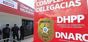 Os suspeitos foram levados para a sede da DHPP, em Chã de Bebedouro
