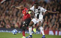 Capitão do United é alvo de insultos racistas após queda na Champions