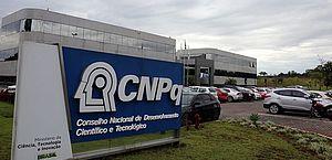 Apagão na ciência: Sem backup, servidor do CNPq queima e milhares de dados acadêmicos desaparecem