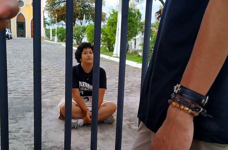 Rebecka aguardou resgate em cemitério