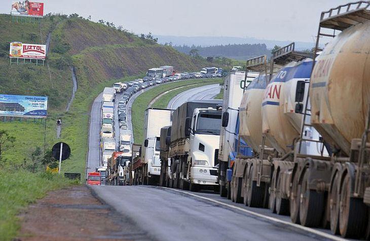 Grande parte das mortes no trânsito ocorre em estradas bem movimentadas