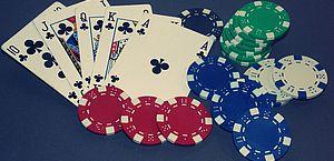 Qual é o formato de Poker online que se deve começar a jogar?