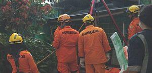 Homem cai em fossa de cinco metros de profundidade na Santa Amélia