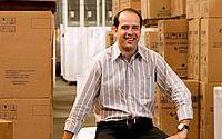 Após prestar depoimento, fundador da Ricardo Eletro é solto
