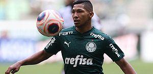 Rony, do Palmeiras, é suspenso pela Fifa e Athletico recebe punição; entenda