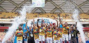 Nos pênaltis, Brusque bate o Manaus e conquista título da Série D