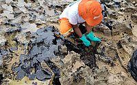 Marinha recolhe fragmentos de óleo em praias brasileiras
