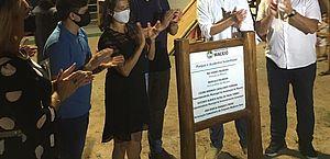 Prefeitura entrega espaço de lazer no Conjunto Medeiros Neto