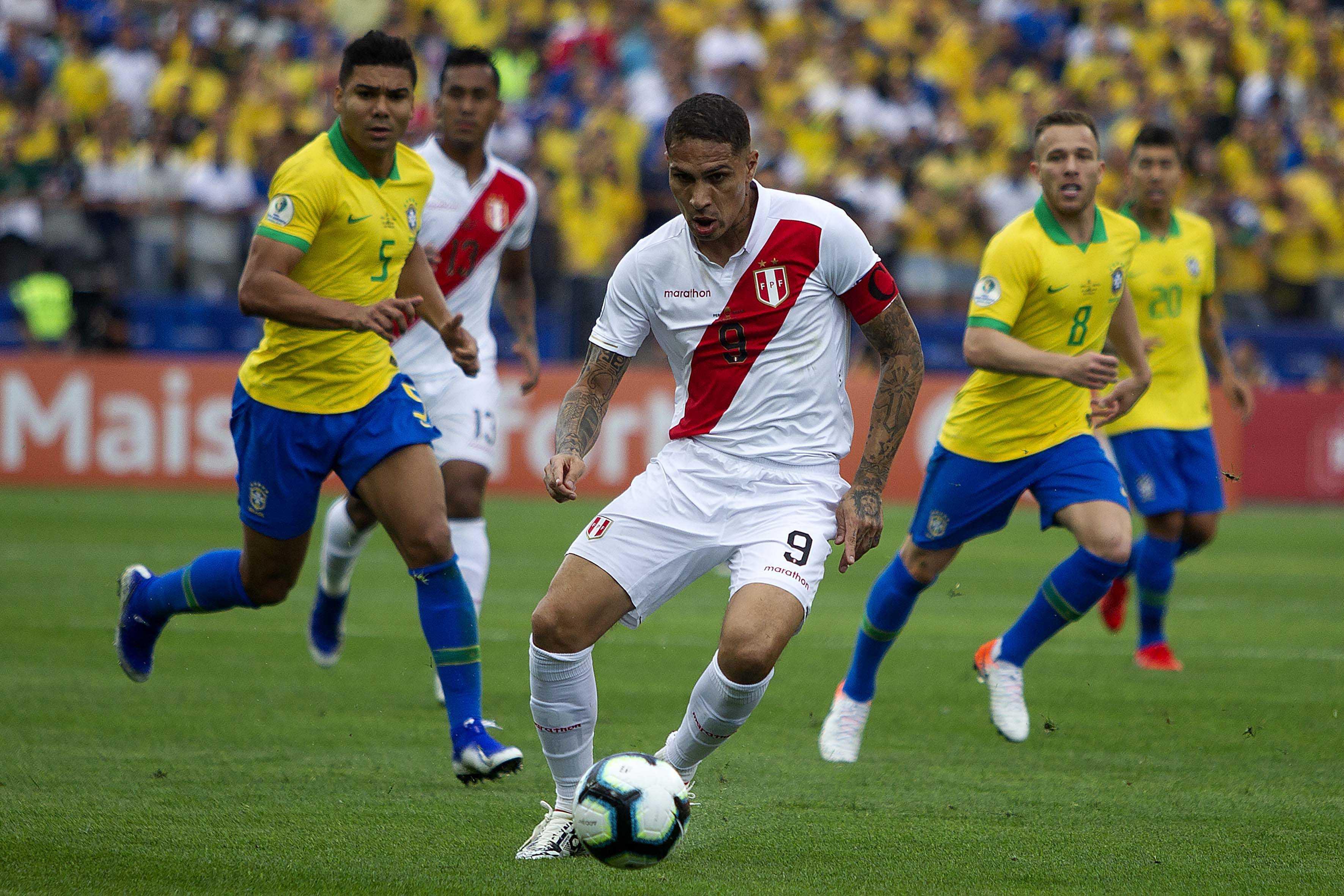 Peru não convoca Guerrero, que pode jogar semifinal da Copa do Brasil