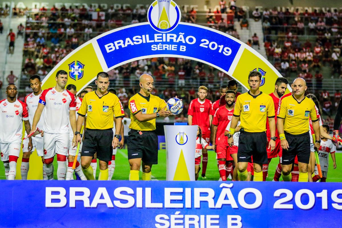 No primeiro turno, CRB e Vila Nova empataram em 1 a 1 no Rei Pelé
