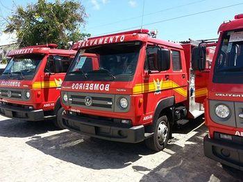 Bombeiros são acionados para conter incêndio em imóvel no bairro Chã da Jaqueira
